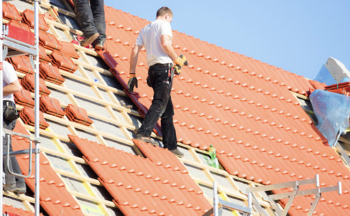 roofer to fix